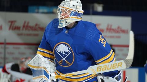 Les Bruins remplacent Halak par Ullmark