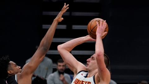 Nikola Jokic hérite du titre de MVP