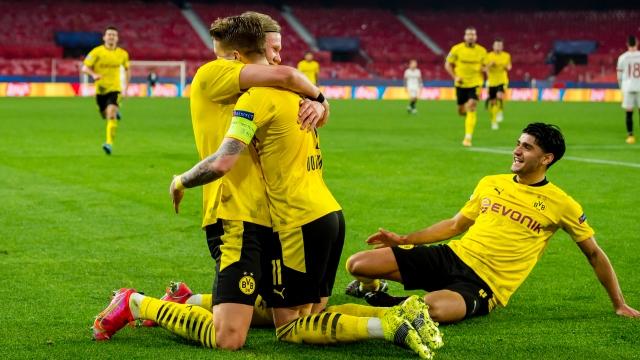 Dortmund prend une option sur les quarts