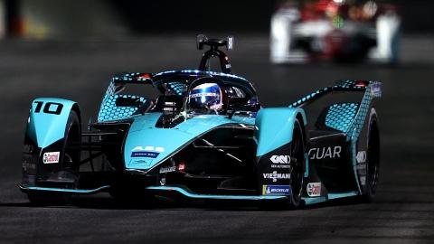 Sam Bird gagne le 2e ePrix de Diriyah, Vergne déclassé