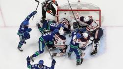Oilers vs Canucks.jpg