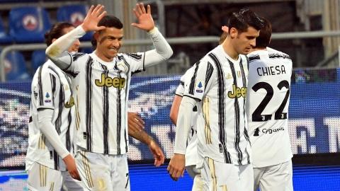Ronaldo, revanchard, met trois buts à Cagliari