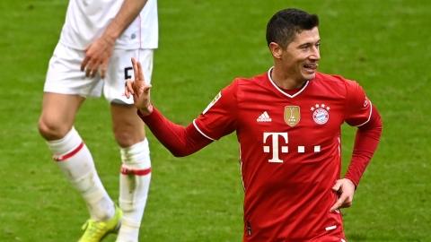 Lewandowski s'offre un triplé c. Stuttgart