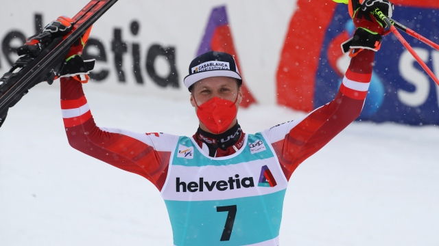 Feller gagne la dernière course de la saison