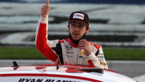 Blaney vole la victoire à Larson à Atlanta