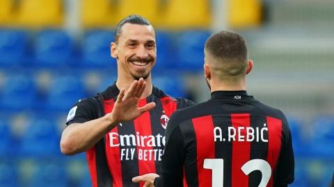 Zlatan reste avec l'AC Milan une autre saison