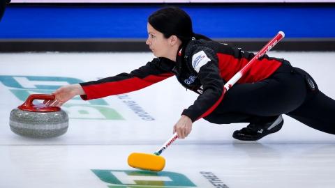 Curling : le Canada s'écroule deux fois