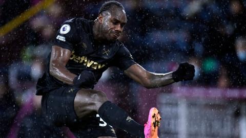 West Ham garde la pression sur Chelsea