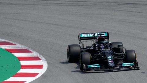 Hamilton domine les essais libres, Stroll 14e