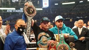 Canelo Alvarez unifie ses titres avec un K.-O. Technique