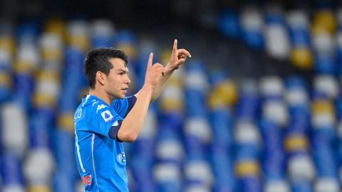 Naples met la pression sur la Juventus Turin