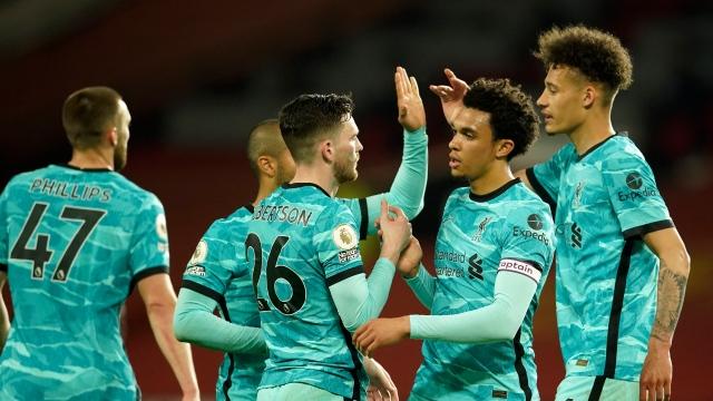 Liverpool rêve de C1, les fans de ManU grondent
