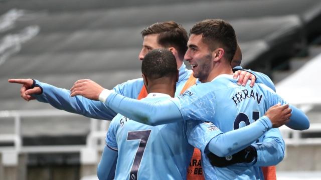Déjà champions, Man City s'offre en spectacle