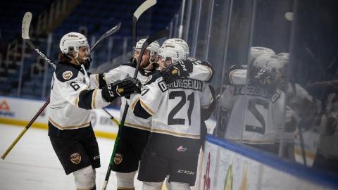 Les Islanders à une victoire de la finale
