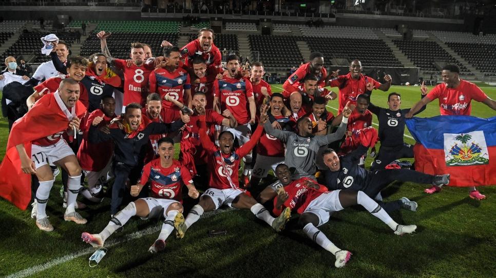 Lille sacré champion devant le Paris SG