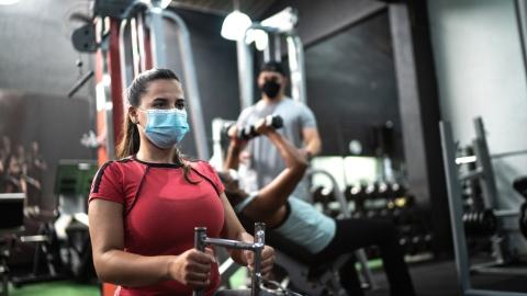 7 astuces pour un retour au gym sans se blesser!