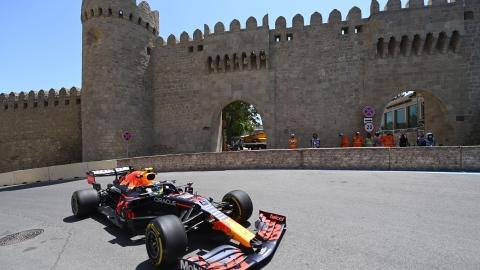 F1 : Perez devant, les Mercedes loin derrière