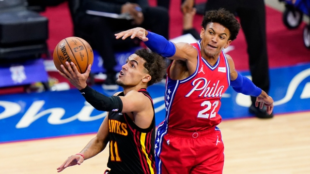 Trae Young transporte les Hawks