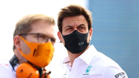 Wolff et Mercedes tirent le signal d'alarme
