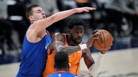 Les Suns poussent le MVP au bord du gouffre