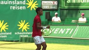 Auger-Aliassime se paye Federer à Halle