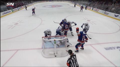 Embuscade devant Vasilevskiy, New York égale la marque