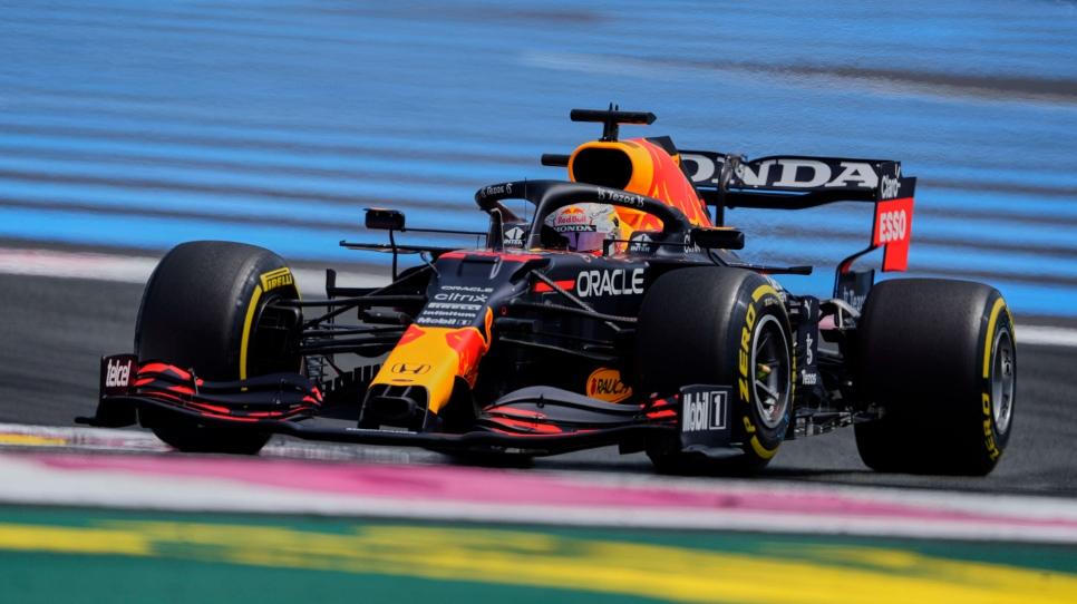 Autre duel serré en vue entre Red Bull et Mercedes
