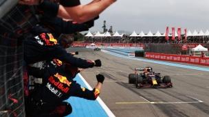 Red Bull déjoue Mercedes avec ses stratégies