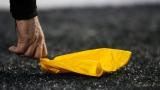 Si la NFL ajoute des règlements pour mieux protéger ses joueurs, sur le terrain, qu'en est-il lorsqu'il y a des cas de violence domestique, mettant en scène ses vedettes?