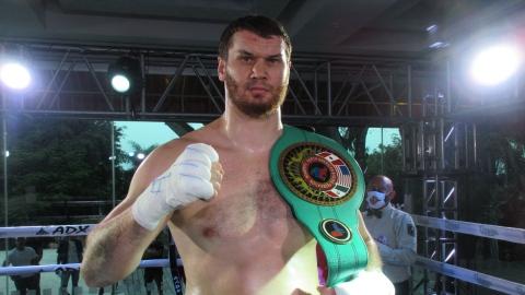 Autre victoire facile d'Arslanbek Makhmudov