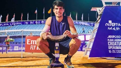 Un premier titre à 18 ans pour Carlos Alcaraz