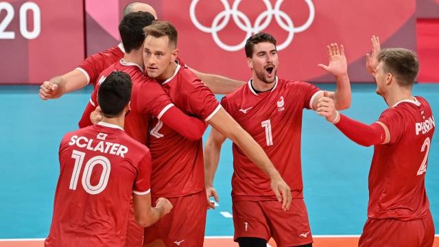 Première victoire du Canada en volleyball masculin