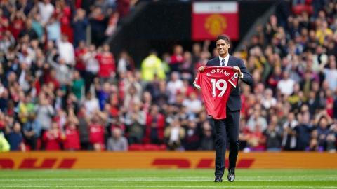 Varane rejoint Manchester United pour quatre saisons