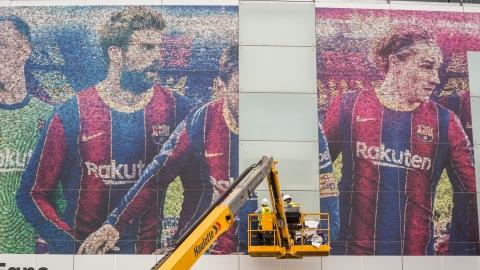 Le Camp Nou reprend vie, entre frénésie et tristesse