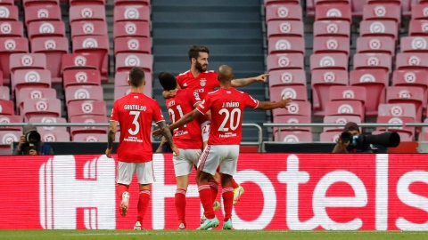 Champions : Benfica s'impose tout juste