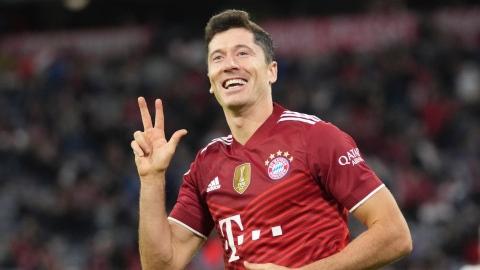 Lewandowski et le Bayern écrasent le Hertha Berlin