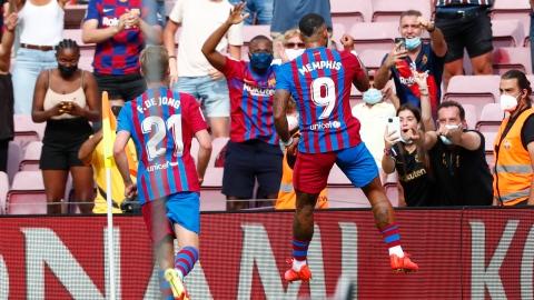 Depay continue de séduire le Camp Nou
