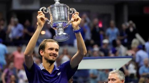 L'élan de Djokovic freiné par Daniil Medvedev