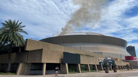 Un incendie sur le toit du Superdome