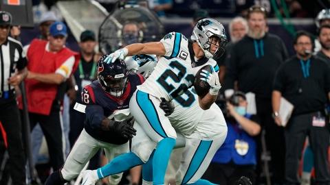 Les Panthers toujours invaincus, mais McCaffrey se blesse
