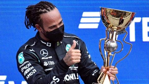 Hamilton signe sa 100e victoire en carrière
