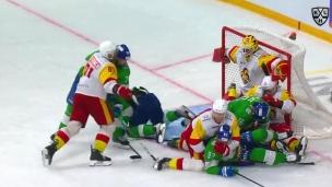 Pendant ce temps, en Russie : 12 000 joueurs devant le gardien