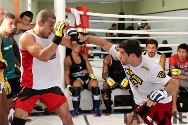 José Aldo et Renan Barao en sparring à Nova Uniao