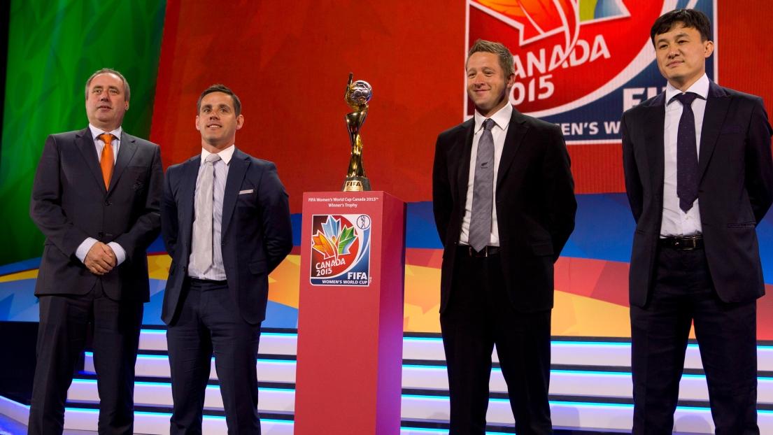 L'entraîneur des Pays-Bas Roger Reijners, John Herdman (Canada), Tony Readings (Nouvelle-Zélande) et