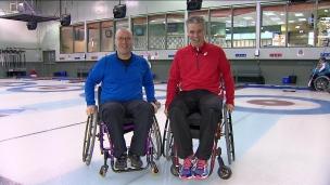Yanick et Frédéric découvrent le curling en fauteuil roulant