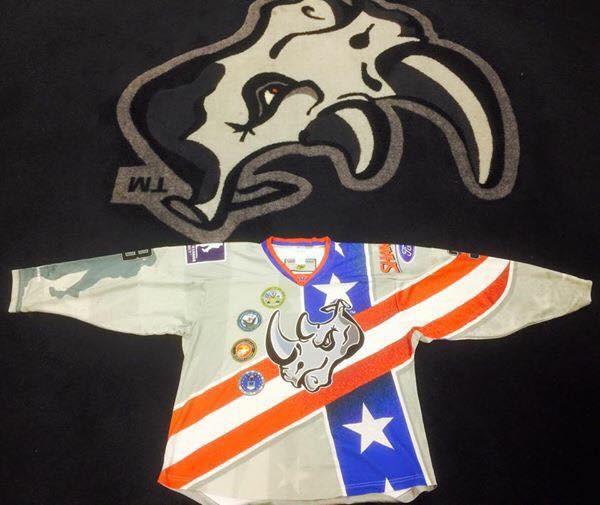 The jersey worn by players of Rhinos at the weekend of the military appreciation for the 2014-2015 season.
