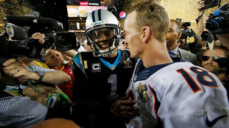 Cam Newton et Peyton Manning