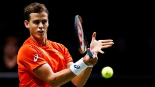 Pospisil s'incline au premier tour