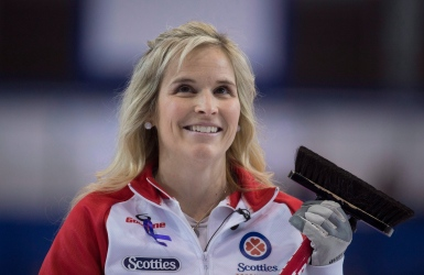 Jennifer Jones a raison de Kelsey Rocque