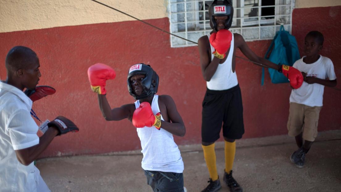 De jeunes boxeurs à Haïti